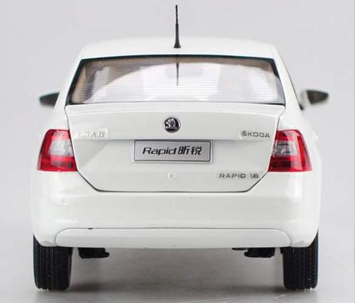 1/18 Dealer Edition SKODA RAPID SEDAN (White) Diecast Car Model