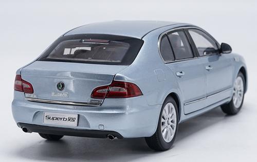 1/18 Dealer Edition Skoda Superb (Silver Blue) Diecast Car Model