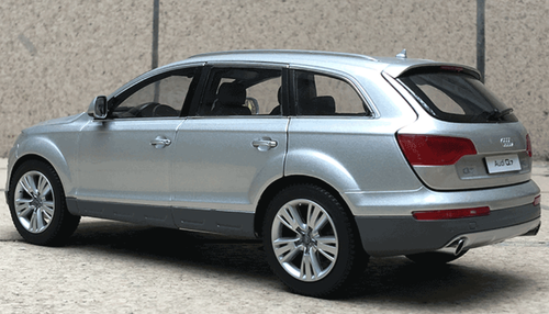 1/18 Kyosho 2009 Audi Q7 (Silver) Diecast Car Model