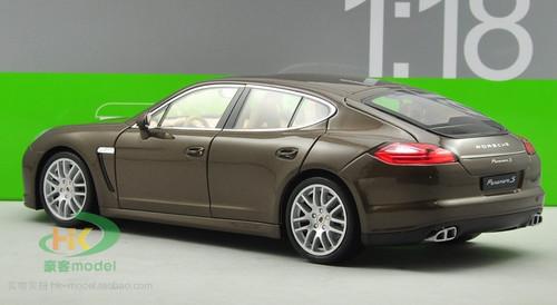 1/18 Porsche Panamera S (Brown Coffee)