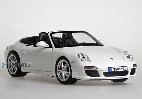 1/18 911 Porsche Carrera S Cabriolet (WHITE)