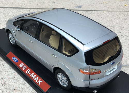 1/18 Dealer Edition Ford S-Max SMax (Silver) Diecast Car Model