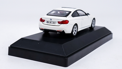 1/43 Dealer Edition BMW F32 4 Series Coupe (White) Diecast Car Model