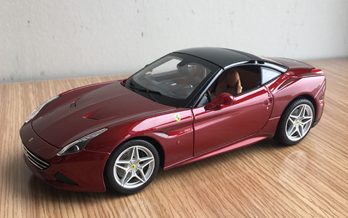 1/18 BBurago Signature Series Ferrari California T Hardtop (Wine Red) Diecast Car Model