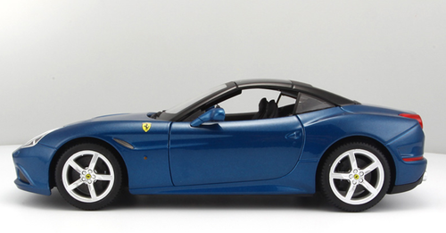 1/18 BBurago Ferrari California T Hardtop (Blue) Diecast Car Model