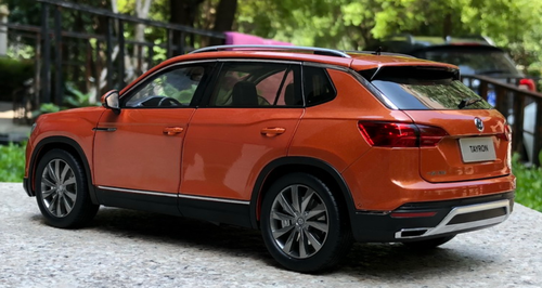 1/18 Dealer Edition 2019 Volkswagen VW Tayron Touareg (Orange) Diecast Car Model
