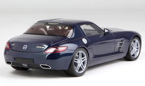 1/18 Minichamps Mercedes-Benz Mercedes SLS AMG (Blue) Diecast Car Model