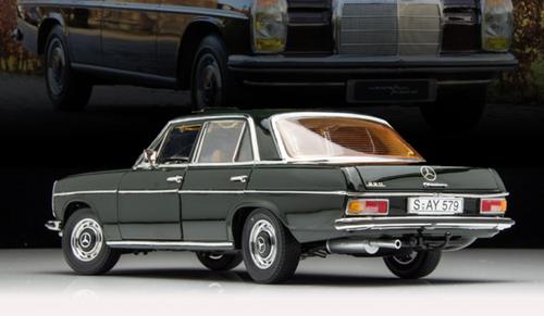 1/18 SS Sunstar Mercedes-Benz Mercedes 220D W115 Strich8 (Green) Diecast Car Model