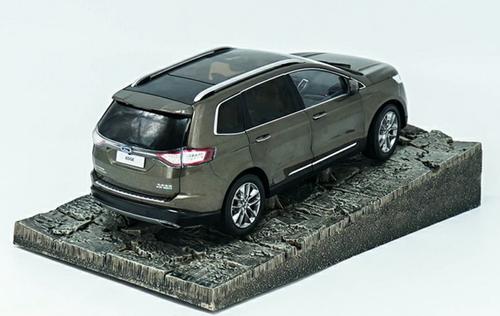 1/18 Dealer Edition Ford Edge (Brown) Diecast Car Model