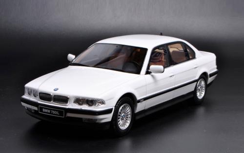 1/18 OTTO 1990 BMW E38 7 Series 750iL (White) Resin Car Model Limited 500
