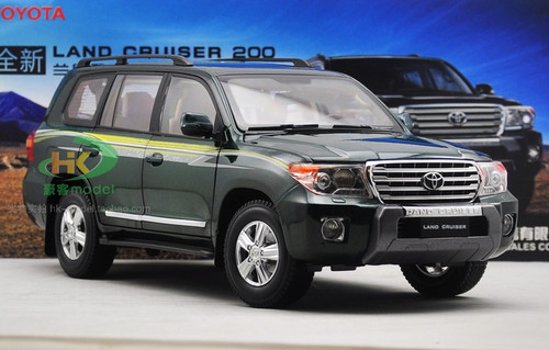 1/18 Dealer Edition Toyota Land Cruiser LC200 (Green) Diecast Car Model
