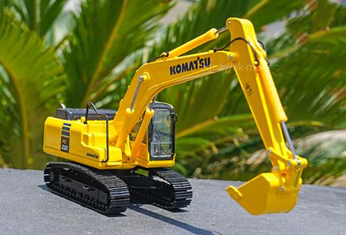 1/50 Komatsu PC220-10 Excavator Diecast Model