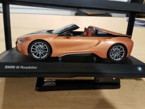 1/18 Dealer Edition BMW i8 Roadster (Copper Orange / Black) Diecast Car Model