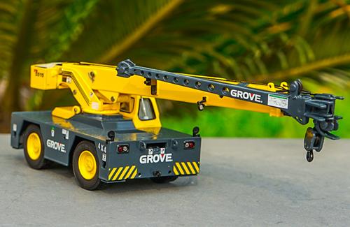 1/50 GROVE YB5515 4x4 Cranes (Yellow) Diecast Model
