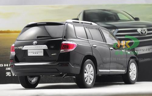 1/18 Dealer Edition 2012 Toyota Highlander (Black) Diecast Car Model
