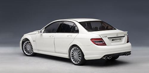 1/18 AUTOart Mercedes-Benz Mercedes MB C-Class C-Klasse C63 AMG (White w/ Leather Seats) Diecast Car Model 76274