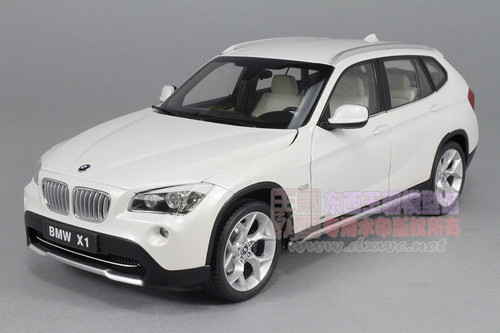 1/18 Kyosoh E84 BMW X1 xDrive 28i (White) Diecast Car Model