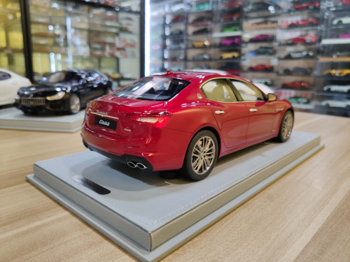 1/18 BBR Maserati Ghibli SQ4 S Q4 (Red) Resin Car Model