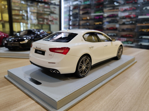 1/18 BBR Maserati Ghibli SQ4 S Q4 (White) RHD Resin Car Model