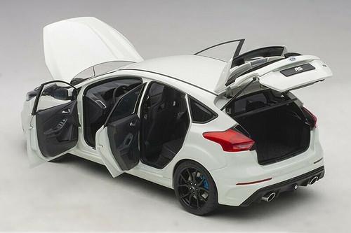 1/18 AUTOart Ford Focus RS (White) Diecast Car Model 72951