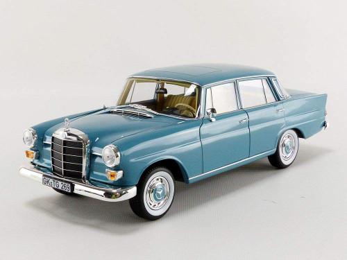 1/18 Norev 1966 Mercedes-Benz Mercedes 200 (Blue) Diecast Car Model