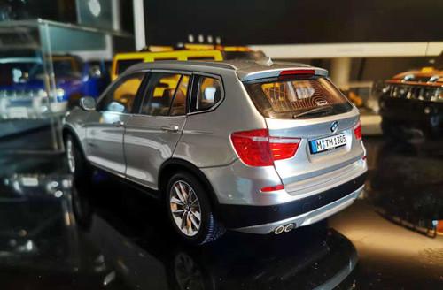1/18 Dealer Edition BMW X3 2nd Generation F25 (2011–2017) (Silver) Diecast Car Model