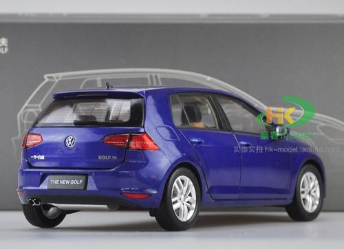 1/18 Dealer Edition Volkswagen Golf VII 7th Generation (Blue) Diecast Car Model