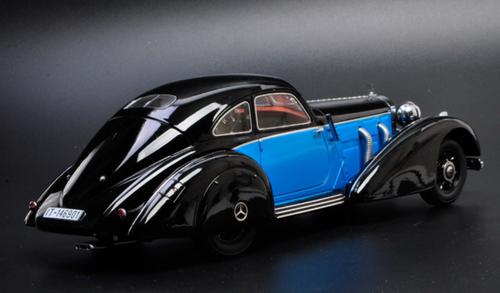 1/18 KK-Scale 1936 / 1938 Mercedes-Benz Mercedes 540K (Black / Blue) Diecast Car Model