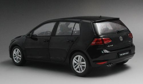 1/18 Dealer Edition Volkswagen Golf VII 7th Generation (Black) Diecast Car Model