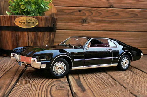 1/18 1966 Oldsmobile Toronado (Black) Diecast Car Model