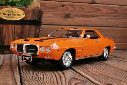1/18 1969 Pontiac Firebird Trans (Orange) Diecast Car Model