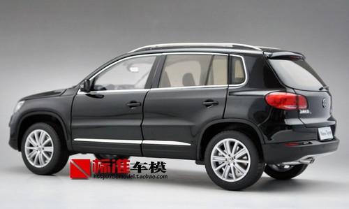 1/18 Dealer Edition 2013 Volkswagen VW Tiguan (Black) Diecast Car Model