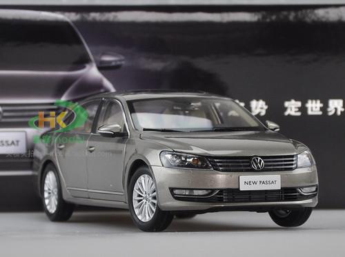 1/18 Dealer Edition 2011-2018 Volkswagen Passat (Gold / Champagne) Diecast Car Model