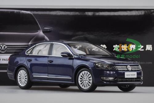 1/18 Dealer Edition 2011-2018 Volkswagen Passat (Dark Blue) Diecast Car Model