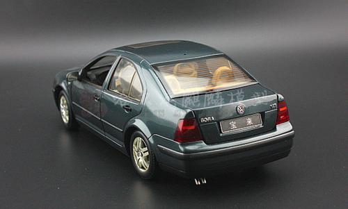 1/18 Dealer Edition Volkswagen VW Jetta / Bora (Grey) 4th generation (A4, Typ 1J; 1999–2005) Diecast Car Model
