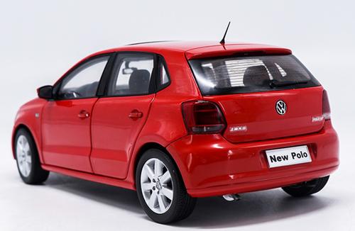 1/18 Dealer Edition 2013 Volkswagen VW Polo (Red) Diecast Car Model
