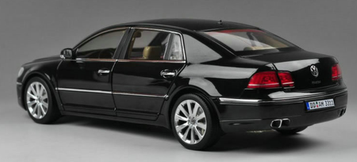 1/18 GTAutos GTA Volkswagen VW Phaeton (Black) Diecast Car Model