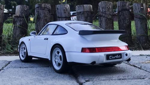 1/18 Porsche 911 Turbo 964 (White) Diecast Car Model