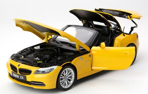 1/18 Kyosho BMW Z4 sDrive35i Convertible (E89) (Yellow) Diecast Car Model