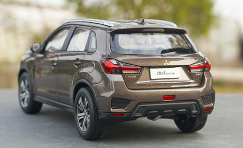 1/18 Dealer Edition 2018 / 2019 Mitsubishi ASX (Brown) Diecast Car Model