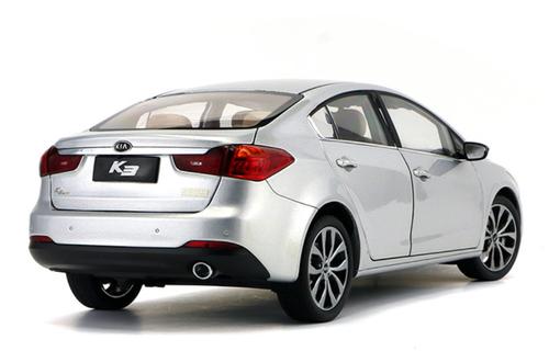 1/18 Dealer Edition Kia K3 / Forte / Cerato (Silver) Diecast Car Model