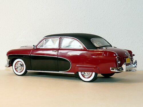 1/18 PrecisionMiniatures PM 1950 FORD CRESTLINER (RED/BLACK) CAR MODEL