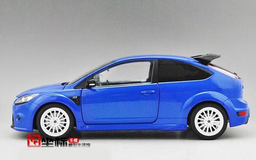 MINICHAMPS 1/18 FORD FOCUS RS 500 LE MANS CLASSIC EDITION (BLUE)