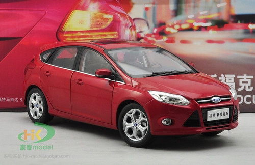 1/18 Dealer Edition 2012 Ford Focus (Red) Diecast Car Model