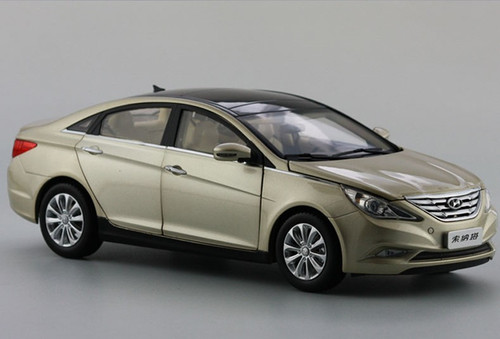 1/18 HYUNDAI SONATA (GOLD/CHAMPAGNE) DIECAST CAR MODEL