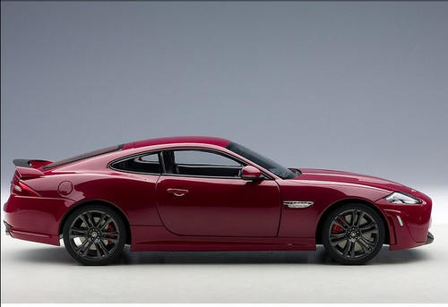 1/18 AUTOART JAGUAR XKR-S (ITALIAN RACING RED) 73642 DIECAST MODEL