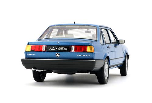 1/18 Welly Classic 1980-1989 Volkswagen VW Passat / Santana (Blue) Diecast Car Model