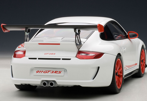 1/18 AUTOART PORSCHE 911 997 GT3 RS 3.8 WHITE W/ ORANGE RIM Diecast Model 78143