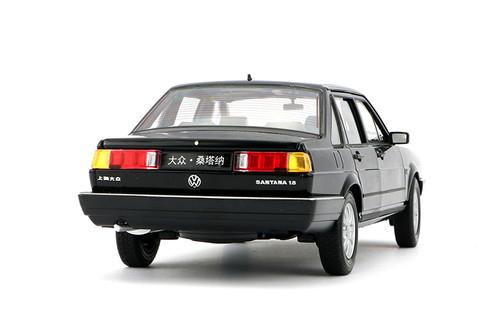 1/18 Welly Classic 1980-1989 Volkswagen VW Passat / Santana (Black) Diecast Car Model