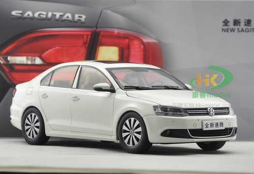 1/18 Dealer Edition Volkswagen VW Jetta / Sagitar (White) 6th Generation (A6, Type 5C6; 2011–2018) Diecast Car Model